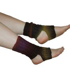 Joogasukat | Yhteishyvä Knitting Socks, Fingerless Gloves, Arm Warmers, Crochet, Crafts, Diy, Knits, Yoga, Accessories