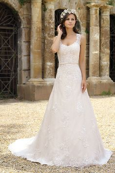 Wedding dress Lotus from the Emma Charlotte collection Brautkleid I Traumkleid I Wedding I Hochzeit I Weddingdress I Hochzeitskleid Lace Wedding Dress, Best Wedding Dresses, Designer Wedding Dresses, Wedding Gowns, Lace Dress, Pretty Dresses, Beautiful Dresses, Haute Couture Designers, A Line Gown