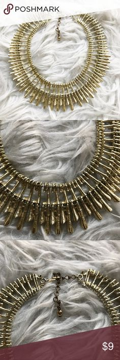 Vintage faux gold choker necklace Vintage faux gold choker necklace 😍 amazing condition! Jewelry Necklaces