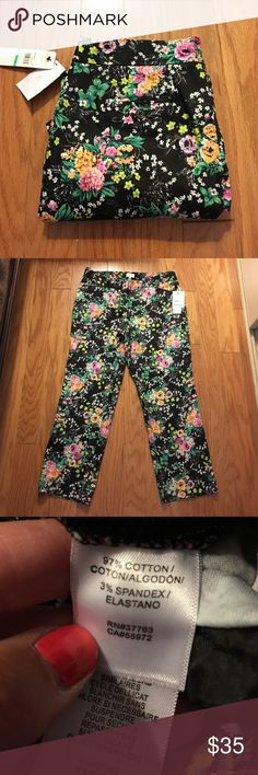 """Laundry by Shelli Segal Ankle Pants The prettiest, girliest, most summery pants ever!!! Very soft, almost a sateen finish. 15.5"""" flat waist, 25"""" inseam, 9"""" rise. Laundry by Shelli Segal Pants Ankle & Cropped"""