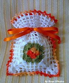 This Pin was discovered by Emi Crochet Sachet, Crochet Gifts, Crochet Motif, Crochet Doilies, Crochet Flowers, Crochet Patterns, Thread Crochet, Crochet Stitches, Lavender Bags