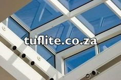 Skylight Roof Windows Can Brighten Up Any Room Skylights significantly improve the aesthetics of every room they are installed over. They reduce power costs and brighten up the rooms. Skylight Window, Roof Window, House Blinds, Blinds For Windows, Sheer Blinds, Modern Blinds, Outdoor Blinds, Window Design, Skylight