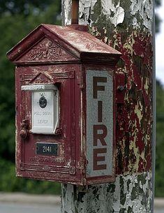 File:Fire Alarm 2141 (Woods Hole, MA).jpg