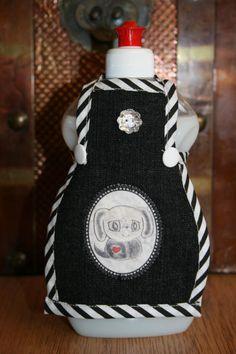Spüli Schürze Dekoration für Spülmittelflaschen schwarz weiß
