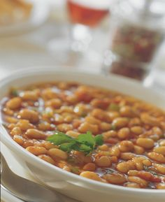 Fasolada (Greek Bean Soup) This is a simple and extremely popular dish - some people say that this, in fact, is the real Greek national dish! Kinds Of Soup, National Dish, My Best Recipe, Bean Soup, Group Meals, Mediterranean Recipes, Greek Recipes, Healthy Recipes, Healthy Foods