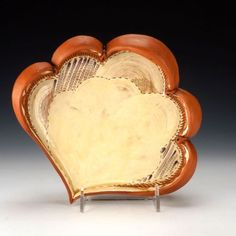 Victoria Dawes, Scalloped plate