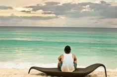 DEDON LEAF beach chair