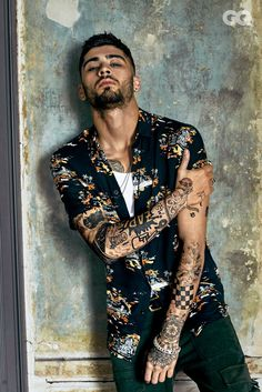 Popstar turned designer. Zayn Malik teams up with Giuseppe Zanotti to create an exclusive men's shoe collection. Launches 1/17 @GZanottiDesign @zaynmalik
