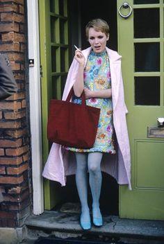 Mia Farrow. 1960s fashion. Vintage streetstyle