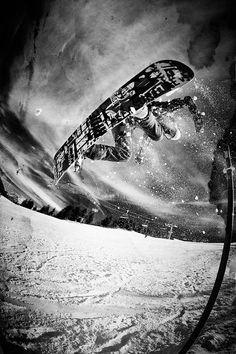#LL @lufelive #snowboarding