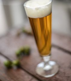 Regal Pale Ale includes a heft dosage of hops, specialty grains and wheat to make for highly-drinkable American Pale Ale homebrew.