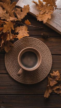 Cozy Aesthetic, Aesthetic Coffee, Autumn Aesthetic, Brown Aesthetic, Coffee And Books, Coffee Love, Coffee Art, Flower Phone Wallpaper, Fall Wallpaper