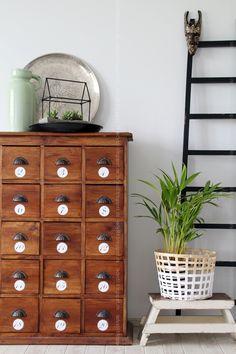DIY Beton-Deko für den Garten Gartenhäuschen Holz und Beton