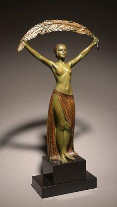 Demetrell chiparus Art Nouveau, Beaux Arts Paris, Art Deco Artists, Art Sculpture, Art Deco Furniture, Art Moderne, Art Deco Era, Ancient Art, Oeuvre D'art