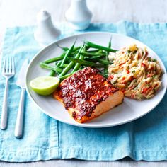 Baked spiced salmon green beans mash astuce recette minceur girl world world recipes world snacks Salmon Green Beans, Slimming Word, Slimming Eats, Healthy Salmon Recipes, Prawn Recipes, Healthy Groceries, Slimming World Recipes, Baked Salmon, Fish Dishes