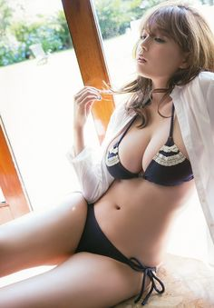 篠崎愛 / Ai Shinozaki Ai-Chan en la revista Young Animal No. 21 - 28 de octubre de 2014 - (Parte 3 y final)