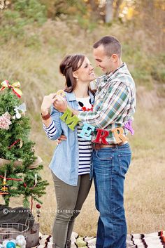 Christmas Couple Photo Session by ohsohappytogether, via Flickr