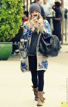 LOVE the sweater and huge Chanel bag!!