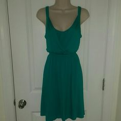 NWT teal jersey dress from Ann Taylor LOFT NWT teal jersey dress. Size XS. Elasticated at waist. 97% rayon, 3% spandex. In perfect New With Tags condition. From a smoke free home. No PayPal. No trades. LOFT Dresses Midi
