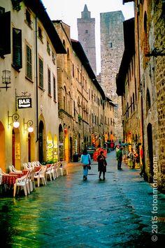 San Gimignano, Tuscany, Italy | FotoAmore.com - Craig & Jane Love