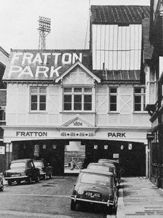 Fratton Park, Portsmouth in the 1970s. Portsmouth England, Football Stadiums, Football Fans, Nostalgic Pictures, Hampshire Uk, City Slickers, Sports Stadium, Leeds United, Isle Of Wight