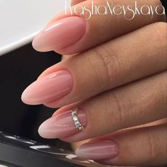 Wedding Nails-A Guide To The Perfect Manicure – NaiLovely Classy Nails, Trendy Nails, Fancy Nails, Nude Nails, Stiletto Nails, Hair And Nails, My Nails, Nailed It, Swarovski Nails