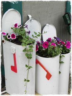 Reuse an old mailbox as a planter