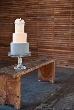 Love this pink and grey wedding cake (Homemade Cake Tier) Pink And Grey Wedding Cake, Grey Winter Wedding, Edgy Wedding, Gold Wedding Theme, Wedding Mood Board, Wedding Details, Dream Wedding, Cool Wedding Cakes, Wedding Stuff