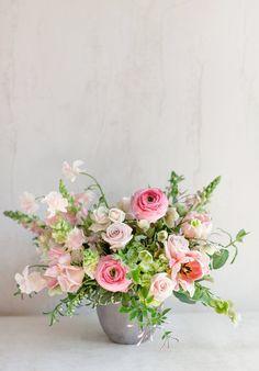 Flower Arrangement Centerpiece Pink Garden Roses Valentine L Valentine Flower Arrangements, Flower Arrangement Designs, Wedding Flower Arrangements, Floral Centerpieces, Floral Arrangements, Wedding Flowers, Wedding Centerpieces, Wedding Bouquets, Purple Bouquets