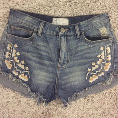 Free people shorts Good condition! Super cute Free People Shorts Jean Shorts