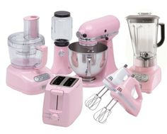 Omg Kitchen Aid has a whole collection I WANT!!! maybe not in pink but in another colour!!!!