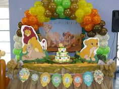Baby lion king baby shower party ideas guardia de leon rey l Lion King Theme, Lion King Party, Lion King Birthday, Baby Shower Parties, Baby Shower Themes, Baby Shower Decorations, Shower Party, Shower Ideas, Balloon Decorations