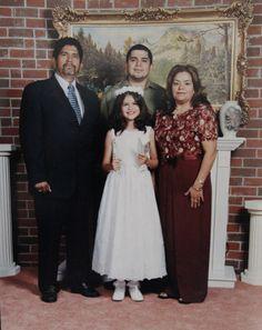 Selena Gomez con su papá, Ricardo Gomez, y sus abuelos.