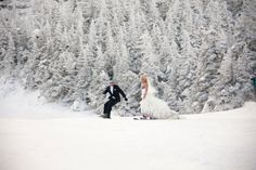 The newly wedded couple hit the slopes  at @Rachel Stowe Mountain
