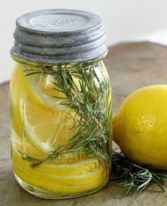 Lemon And Rosemary Natural Room Scent Recipe | Are you looking for an alternative to store bought plug in air fresheners for your home?