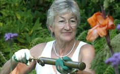 Our agony aunt, Helen Yemm, answers your questions. This week: sweet peas, small tools and mildew