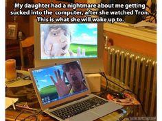 Seine Tochter hatte - nachdem sie den Film Tron gesehen hat - Angst, dass er im Computer gefangen wird. Daraufhin hat er die Hintergrundbilder der Computer geändert.