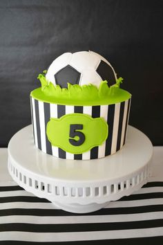 This edible cake decoration will be the perfect addition to your Soccer Party.This DIY Cake Kit will help you create professional looking cakes in just 3 Cupcakes, Cupcake Cakes, Bolo Sporting, Soccer Ball Cake, Soccer Party, Soccer Cakes, Soccer Birthday Cakes, Super Torte, Edible Cake Decorations