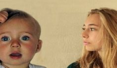 Este es un time-lapse existente, realizado con diferentes vídeos, del proceso de crecimiento de una niña, desde su nacimiento hasta los 14 años.