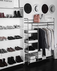 Bedroom Design On A Budget Closet Organization Dressing Rooms Ideas For 2019 Aesthetic Rooms, Aesthetic Clothes, Aesthetic Grunge, Aesthetic Vintage, Vintage Modern, Aesthetic Anime, Dream Decor, Closet Organization, Clothing Organization