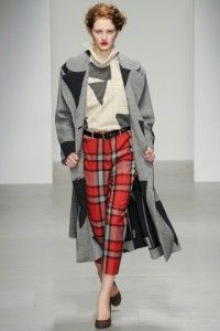 http://www.downtownmood.com/2014/02/18/london/vivienne-westwood-red-label-fallwinter-201415-the-british-touch/