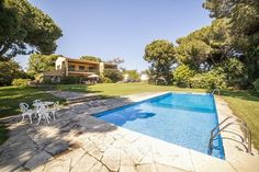 Villa for sale in Arenys de Mar, Catalonia Winning The Lottery, Luxury Villa, Detached House, Old Town, Spain, Old Things, Live, Outdoor Decor, Luxury Condo