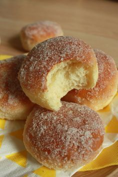 Beignets au four. Beignets au four. Donut Recipes, Cake Recipes, Dessert Recipes, Brownie Recipes, Cooking Chef, Cooking Recipes, Baked Donuts, Donuts Donuts, Love Food