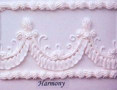 harmony drape side design on cake Royal Icing Cakes, Royal Icing Flowers, Buttercream Cake, Frosting, Cake Icing Techniques, Cake Decorating Techniques, Cake Decorating Tutorials, Cupcakes, Cupcake Cakes