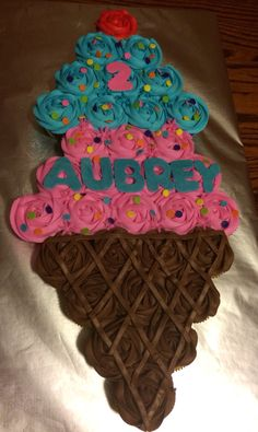 Ideas Birthday Cupcakes Design Pull Apart For 2019 Cupcakes Design, Cute Cupcakes, Birthday Cupcakes, Pull Apart Cupcake Cake, Pull Apart Cake, Cupcake Torte, Cupcake Cookies, Ice Cream Party, Ice Cream Cone Cake