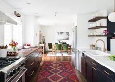 35 Bright California-Style Kitchens