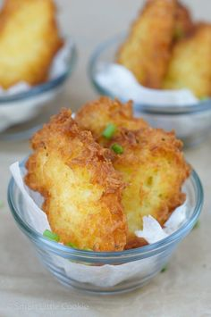 Yuca Fritters ~ A delicious and simple recipe that makes a great snack, appetizer or a second side dish for any meal!Yuca Fritters ~ A delicious and simple recipe that makes a great snack, appetizer or a second side dish for any meal! Boricua Recipes, Cuban Recipes, Ecuadorian Recipes, Fancy Recipes, Dutch Recipes, Puerto Rico Food, Crudite, Spanish Dishes, Spanish Meals