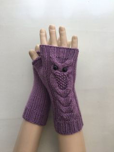 This article is not available - 손토시 - Fingerless Gloves Knitted, Crochet Gloves, Knit Mittens, Knitting Socks, Hand Knitting, Knitted Hats, Knit Crochet, Crochet Stitches Patterns, Knitting Stitches