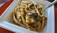 Slow Cooker Recipe for Chicken Fettuccine with Mushrooms and Spinach
