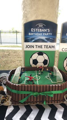 Cake soccer party